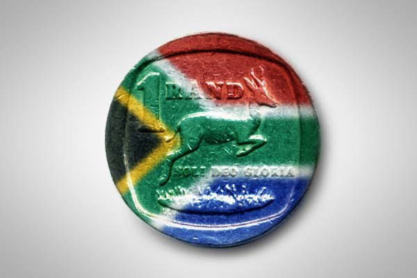 """Economist warns that SA's """"recession drought"""" is not over yet"""