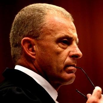 Reeva post-mortem 'surprises' expert
