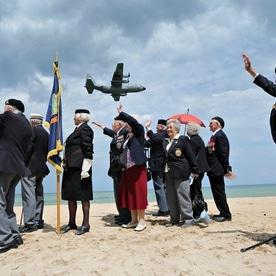 D-day veterans make emotional return to Normandy beaches 70 years on