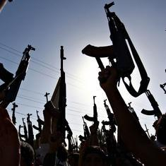 Iraqi forces hold off Isis rebels north of Baghdad as Obama waits