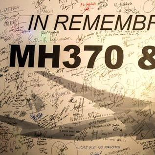 Search for flight MH370 enters new underwater phase